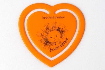 Plastové srdíčko - oranžové