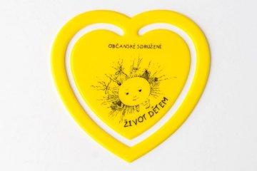 Plastové srdíčko - žluté