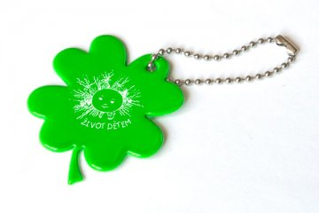 Čtyřlístek pro štěstí - reflexní zelený přívěšek